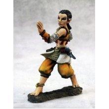 Reaper Dark Heaven Legends 03654 Esmeria, Female Half Elf Monk