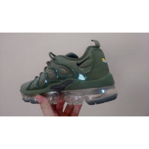 online store 7c905 a12a3 Nike Air Vapormax Plus Army Green 2018 Size 8,5 UK 43 EUR on OnBuy