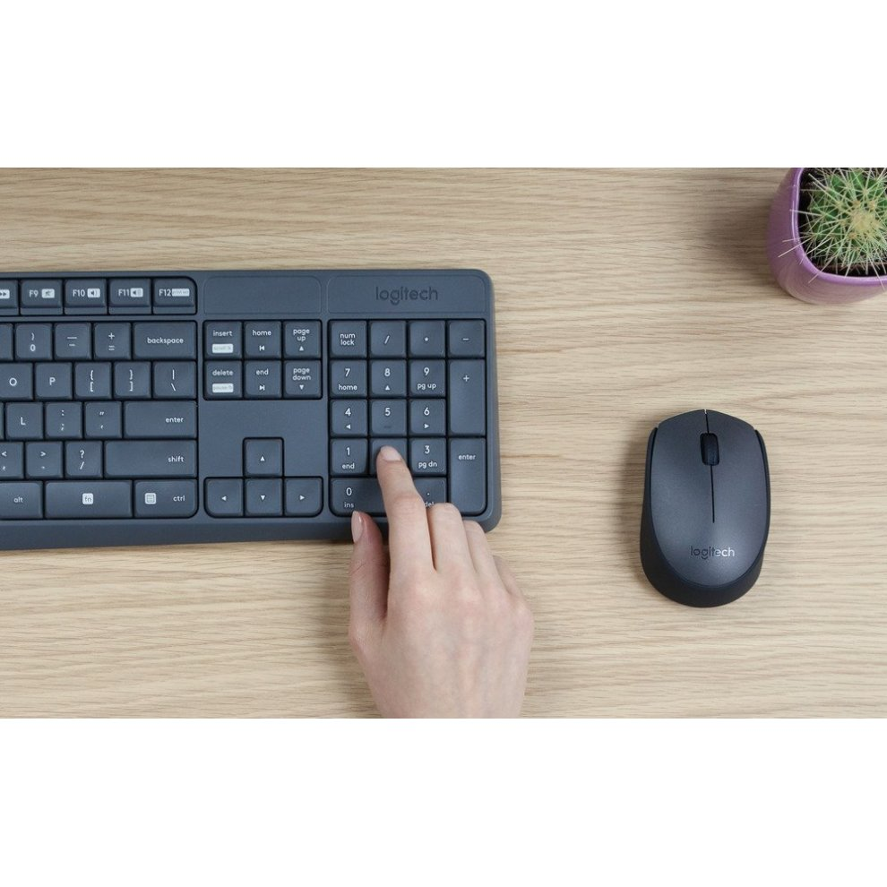 07d63ee7a85 ... Logitech MK235 Wireless Keyboard with Mouse Combo for Windows, Linux  and Chrome OS - AZERTY ...